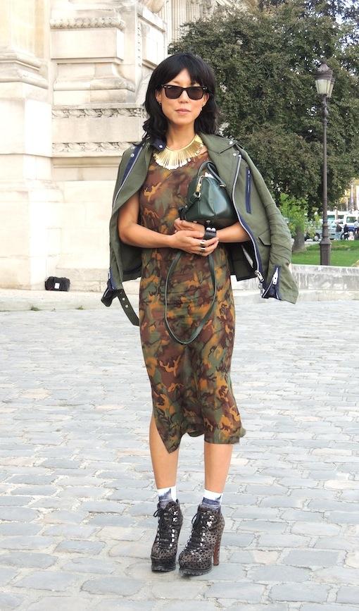 Silhouette camo, jeans & stilettos, paris fashion week p/é 2014